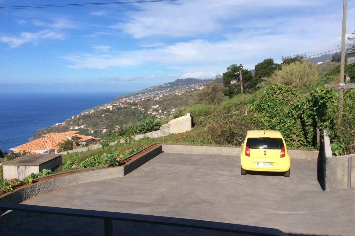 Mar e mais Ferienhaus Madeira maremais Parkplatz